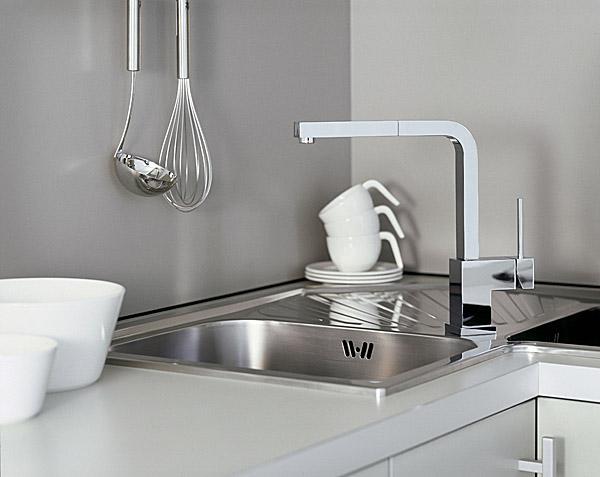 Newform forma robinet mitigeur d vier douchette chrome for Evier en solde
